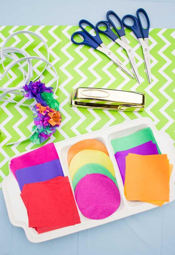 Que tal fazer tiaras com pedaços de feltro e distribuir na sua festa mexicana?