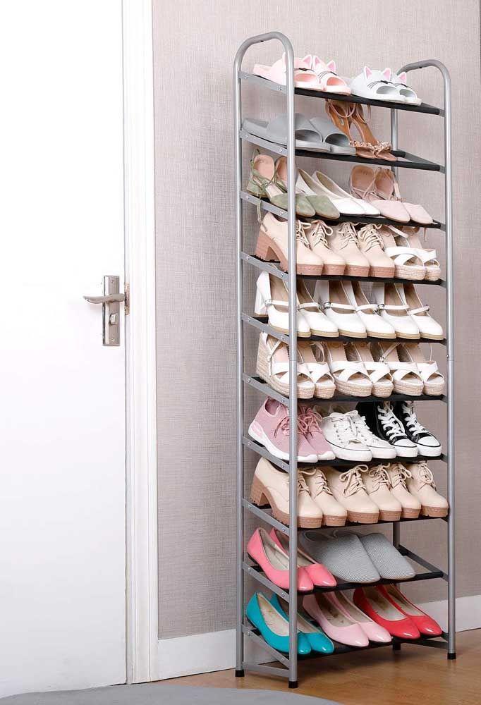 Diga quantos sapatos você tem e te mostramos o tamanho perfeito de sapateira de porta