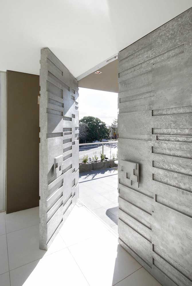 Para quem deseja algo exclusivo e original pode lançar mão de um projeto de porta feito sob medida