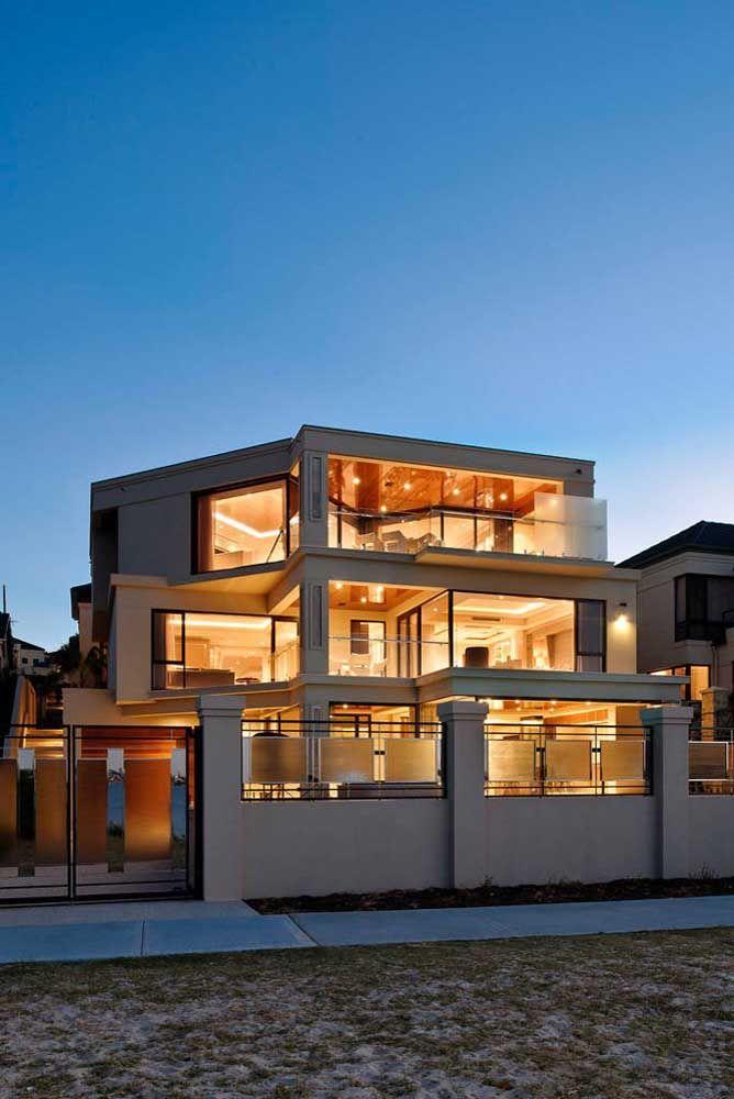 Uma casa de vidro para ver e ser vista