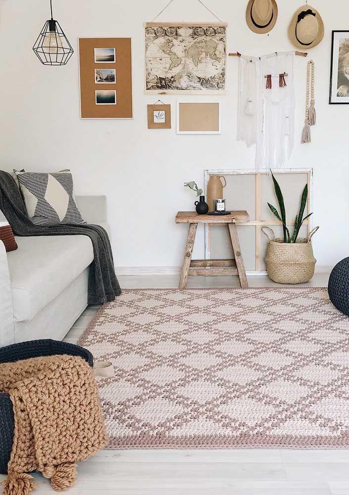 Losangos e retângulos: aposte nessas formas para produzir o seu tapete de crochê