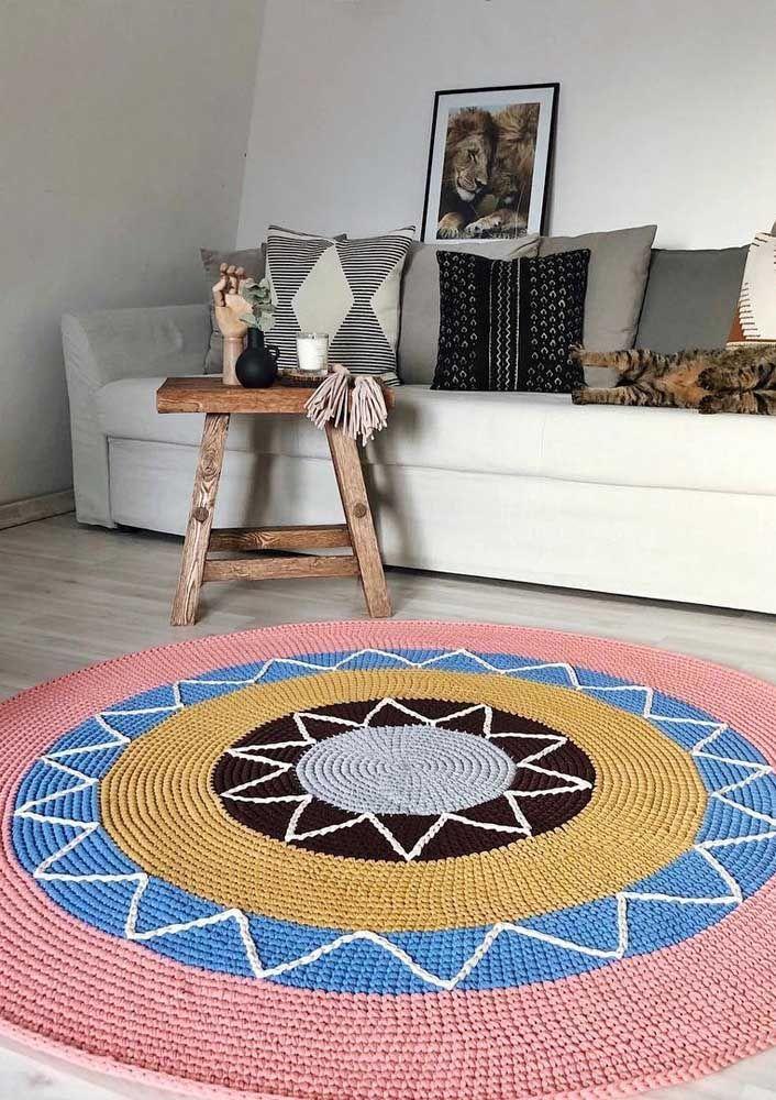 Formas e cores unidas em um mesmo tapete