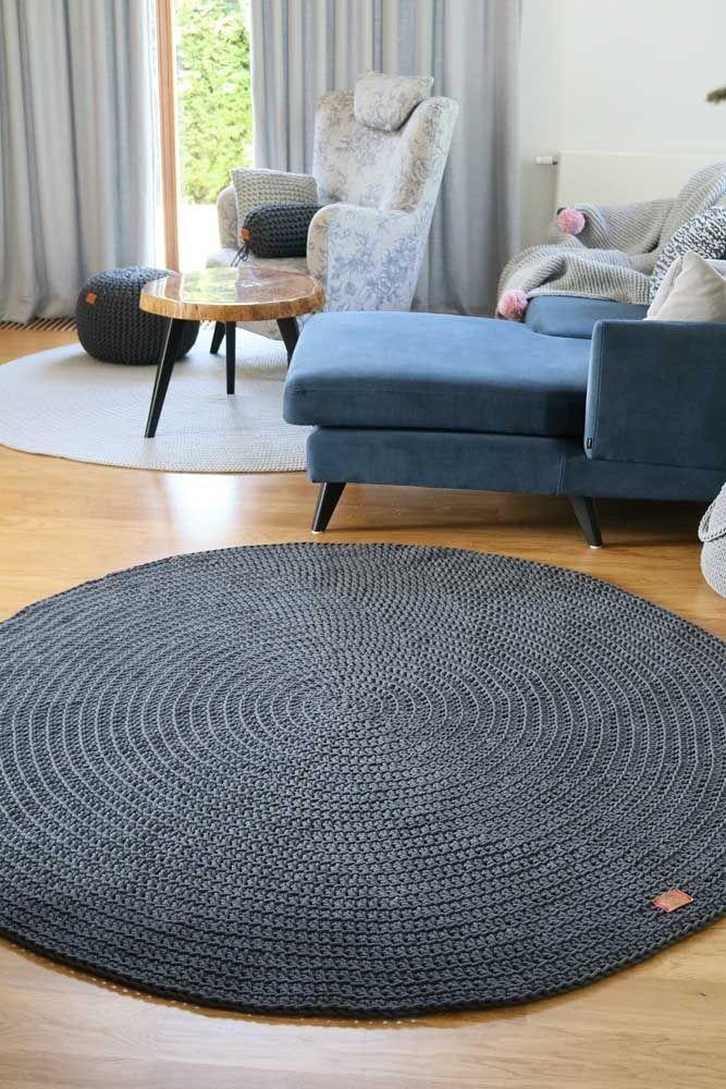 Simples e redondo, mas capaz de fazer toda a diferença no visual e conforto da sala