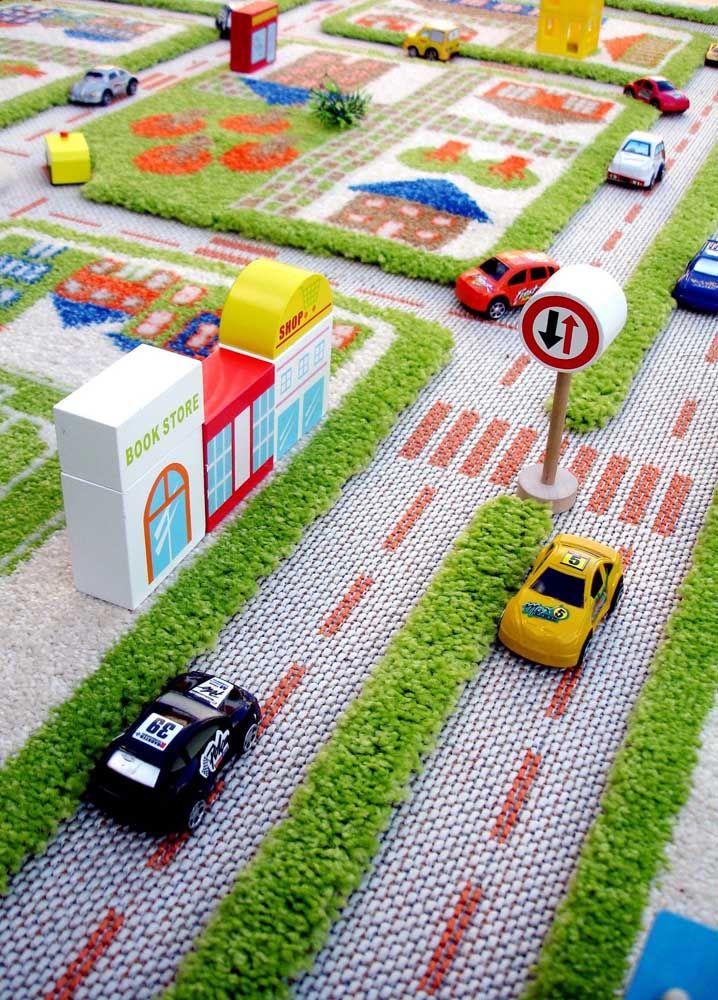 Uma cidade inteira no tapete do quarto infantil