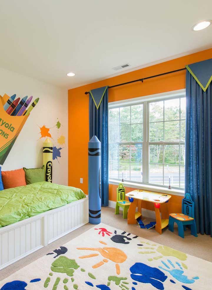Mãos de tinta no tapete: uma proposta bem diferente e que as crianças vão amar