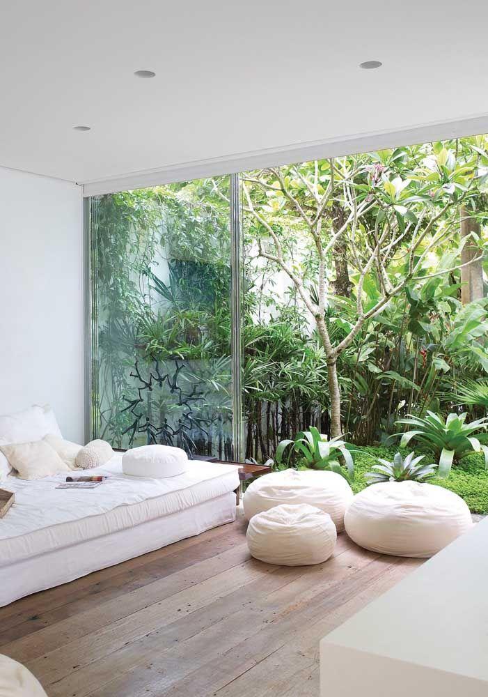 Jardim integrado com a sala de estar: proposta moderna de paisagismo