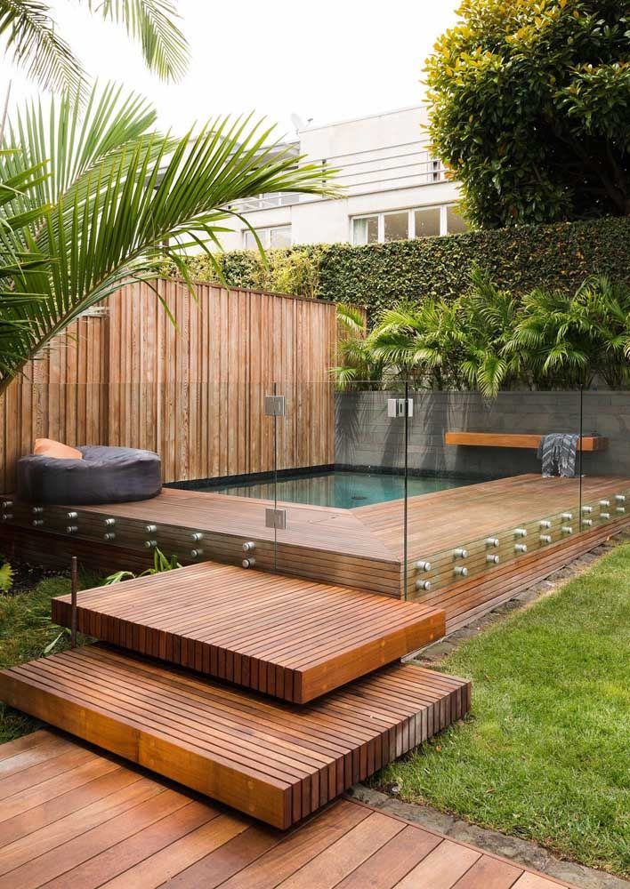 Tudo fica bem melhor com uma piscina, não é mesmo?