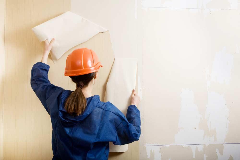 Como tirar papel de parede: saiba como remover passo a passo