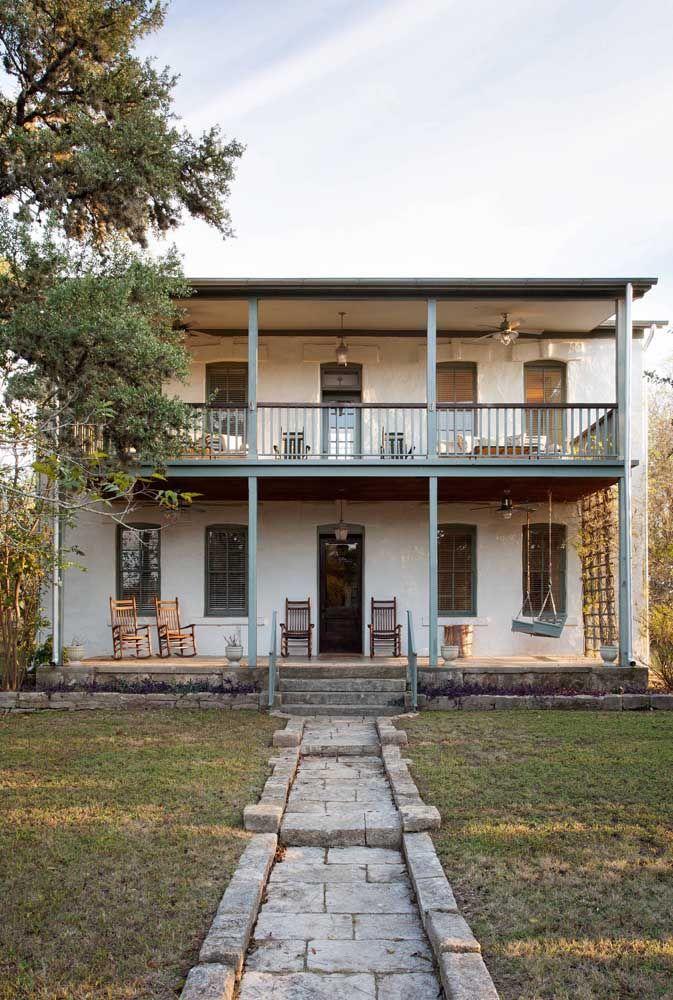 Portas e janelas altas e estreitas: característica das casas de fazenda