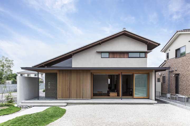 Portas de vidro para cobrir grandes aberturas: característica das casas asiáticas