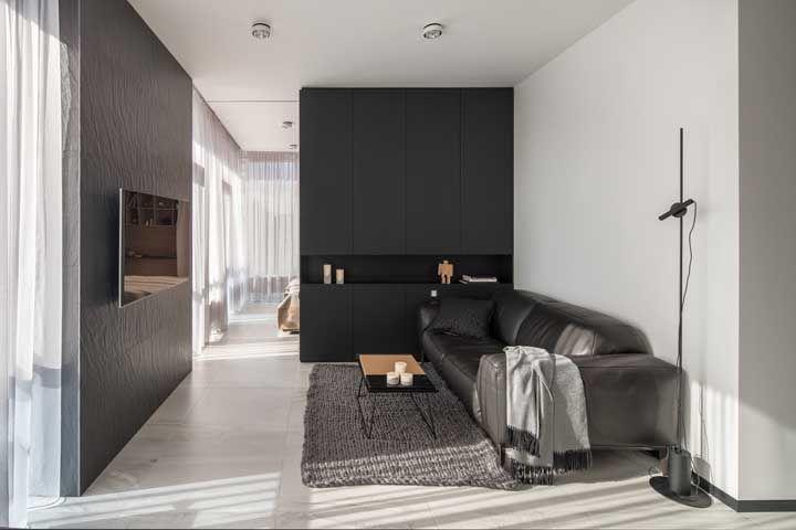 Sala pequena com porcelanato acetinado, uma proposta belíssima para salas de tamanho menor