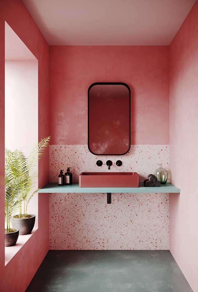 Bancada para a pia do lavabo em um tom claro e delicado de azul; a riqueza da combinação dos detalhes com a possibilidade da interação das cores através da pedra é incrível