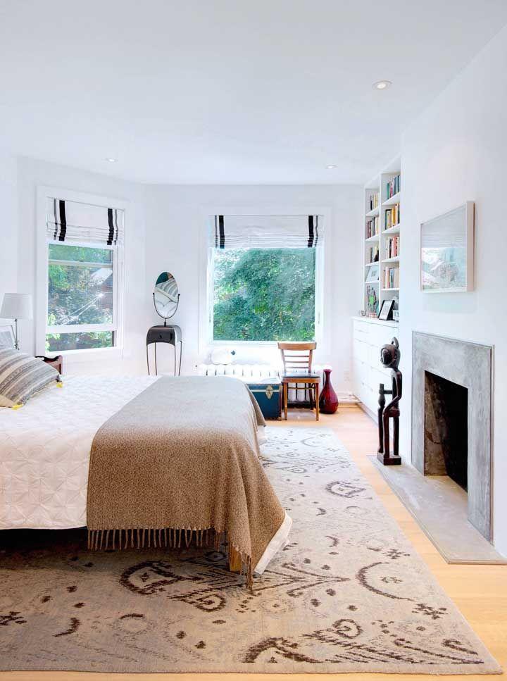 Persiana branca para o quarto igualmente branco