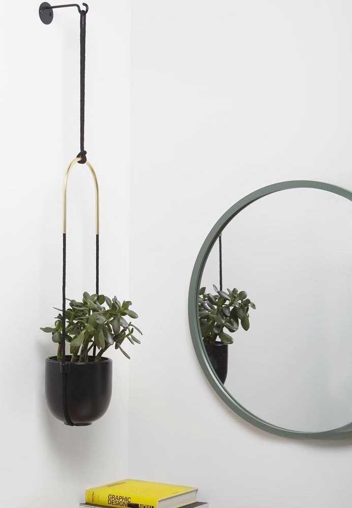 Vaso, espelho e suporte seguem a tendência de formas para 2019