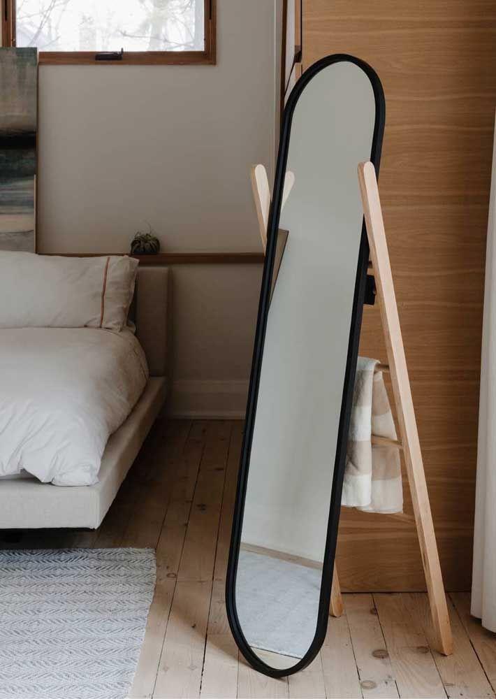 Os espelhos são a maneira mais prática e fácil de trazer a forma oval para a decoração