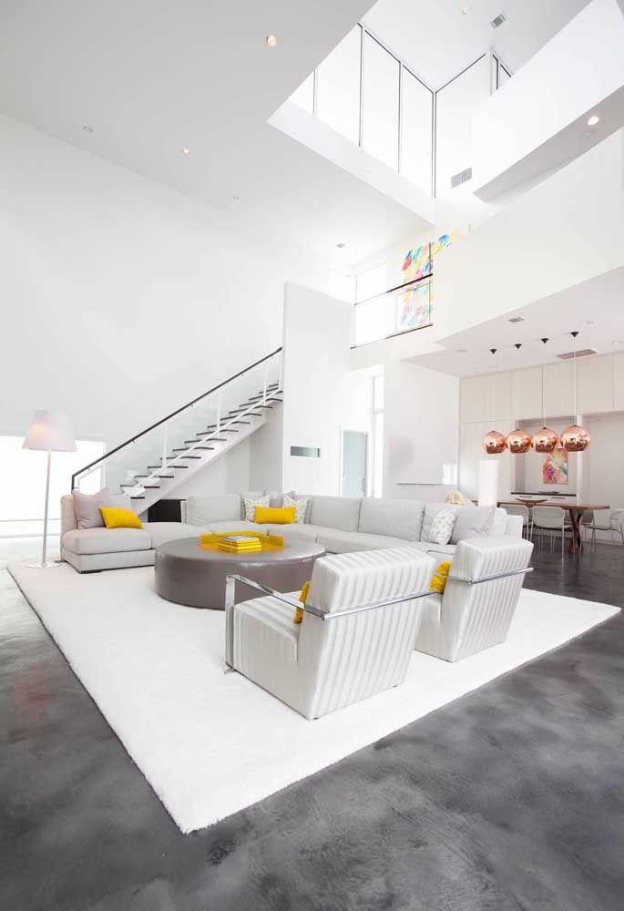 Quando há mais espaço no projeto é possível fazer com que o andar acima não seja usado apenas como mezanino