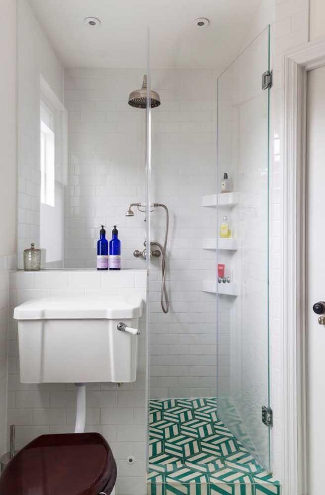 Mais um modelo de vaso sanitário retrô para você se inspirar; esse aqui traz o estilo até no assento