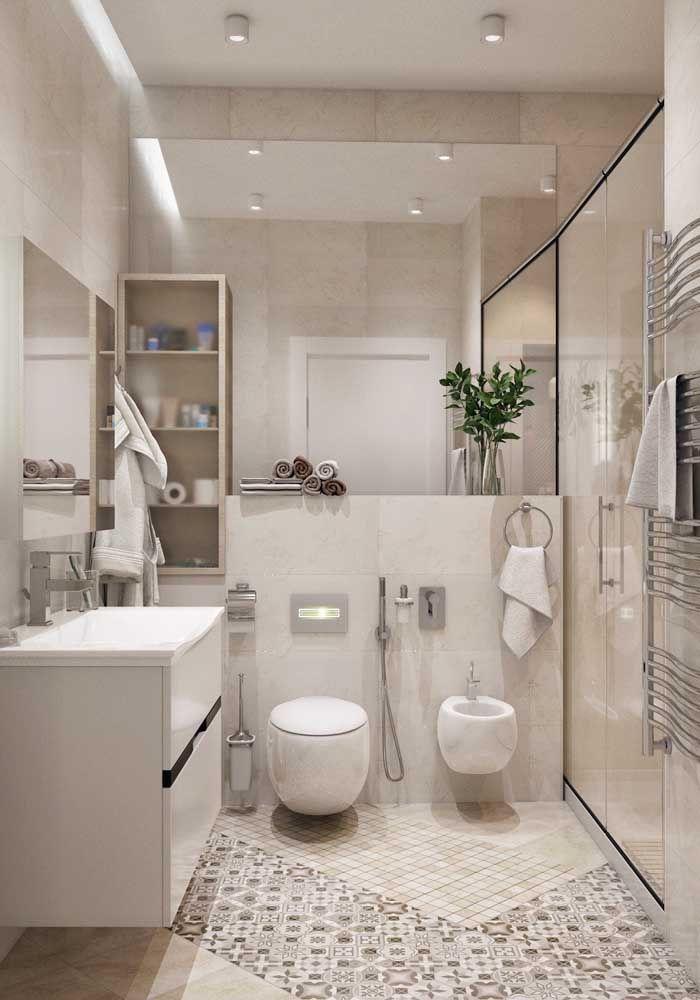 O modelo redondo de vaso sanitário garante uma beleza incomum para o banheiro