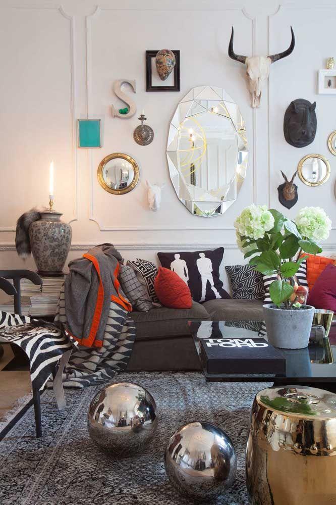 Ambientes mais descolados e estilosos podem conter mais de uma escultura de parede
