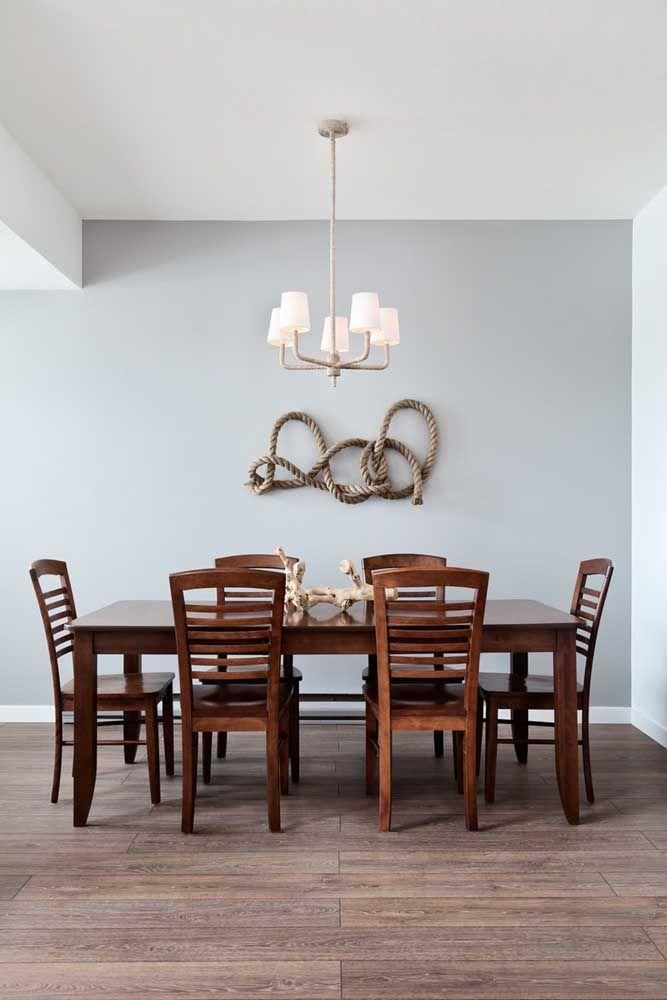 Quem diria que uma simples corda poderia se tornar o ponto central dessa escultura de parede para sala de jantar?