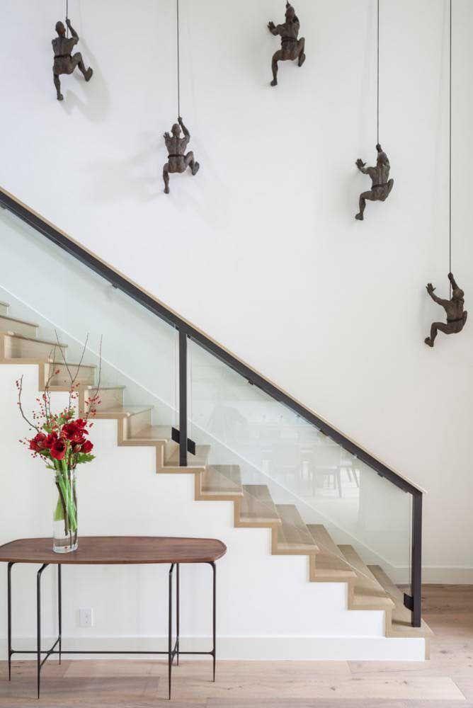Decorações contemporâneas podem receber esculturas de parede super diferentes, criativas e originais