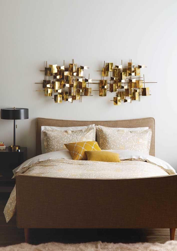 A cabeceira é o melhor lugar para a escultura de parede dentro do quarto