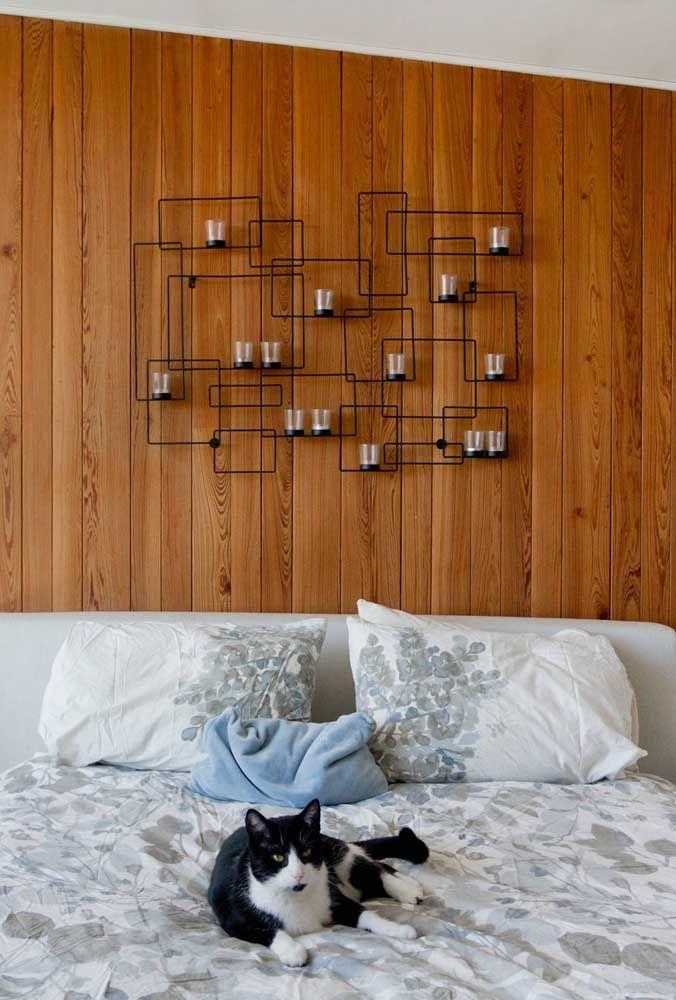 Escultura de parede em arame: simplicidade moderna para o quarto do casal