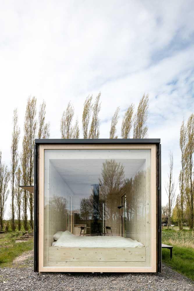 Mini casa quadrada com frente de vidro: um projeto super moderno