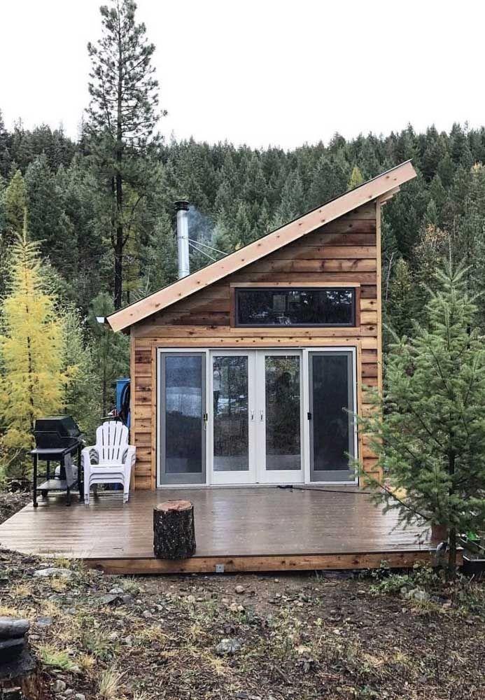 Mini casa também tem área externa; essa aqui com visão para as montanhas é incrível