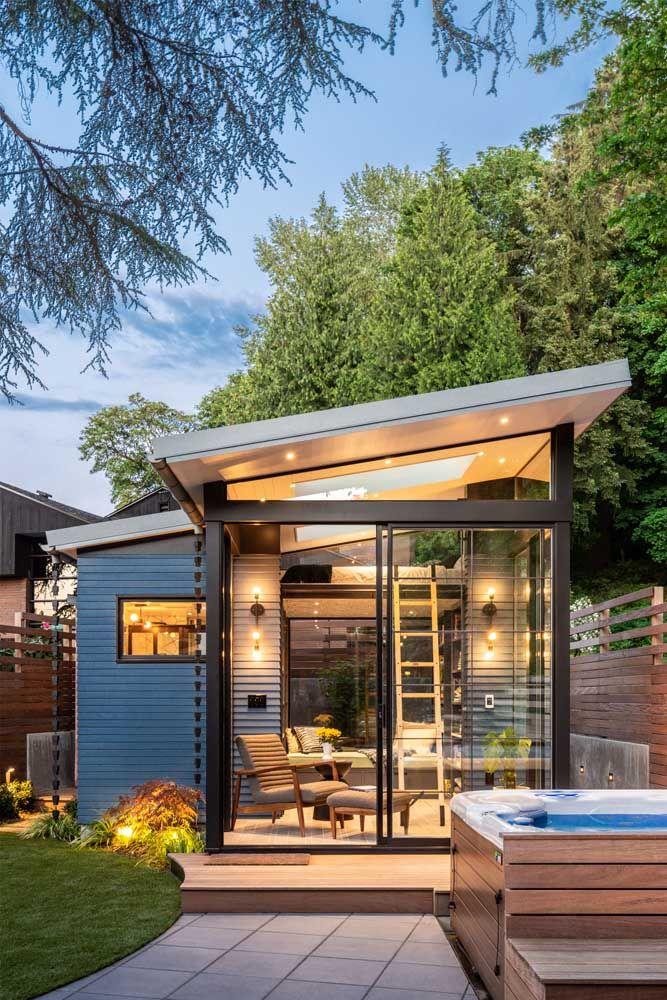 Projeto de mini casa com direito a piscina no quintal: solução para pequenos terrenos em áreas urbanas