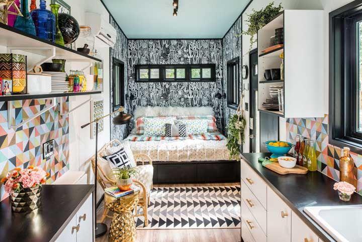 A mini casa pode ser colorida e cheia de vida sim!