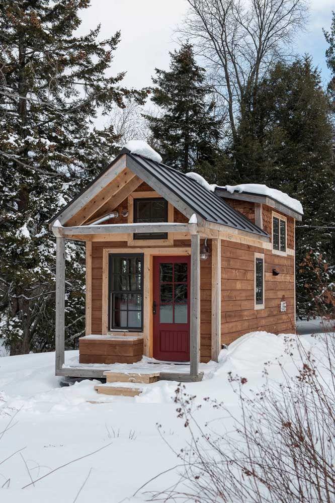 Mini casa de madeira: típica construção dos países europeus