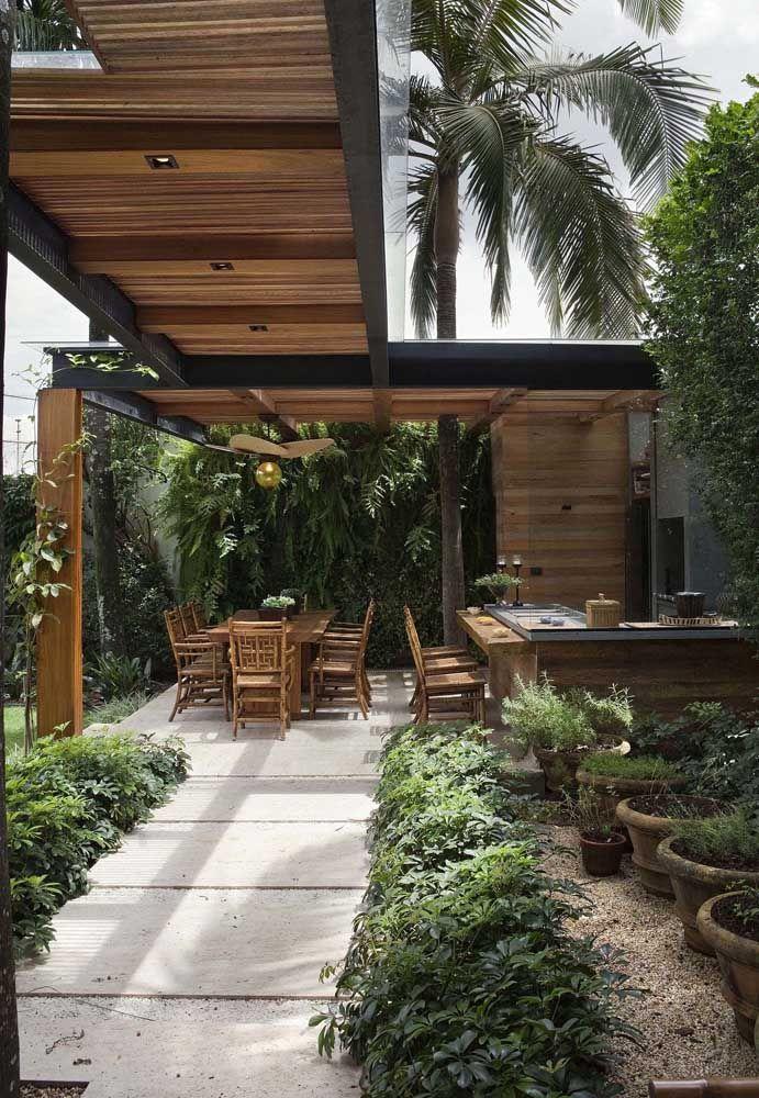 Placas de piso Fulget para o caminho até o espaço gourmet em meio ao jardim: aparência rústica moderna para a área externa