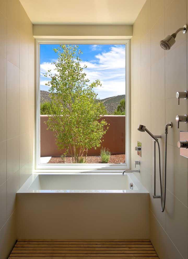 Banheira pequena quadrada para o banheiro com pouco espaço de largura