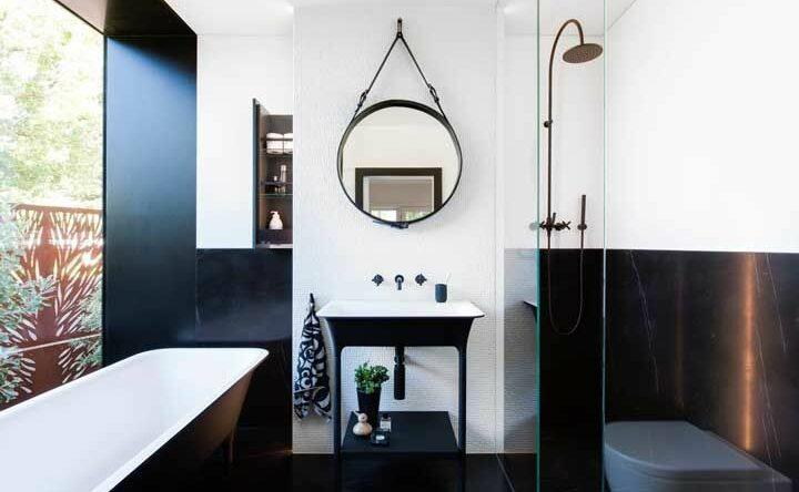 Banheira pequena: modelos e fotos inspiradoras de decoração