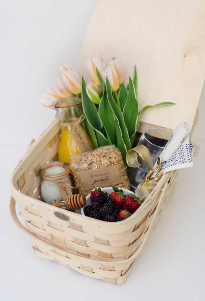O que acha de presentear a sua mãe com um café da manhã na caixa?