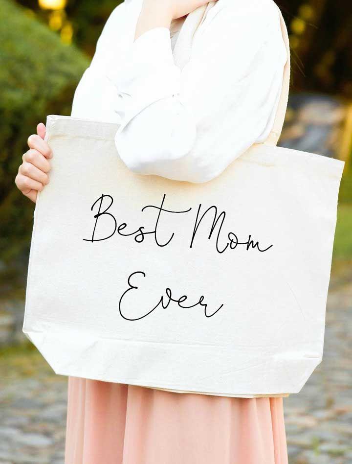 Uma sacola elegante e personalizada para sua mãe desfilar por aí