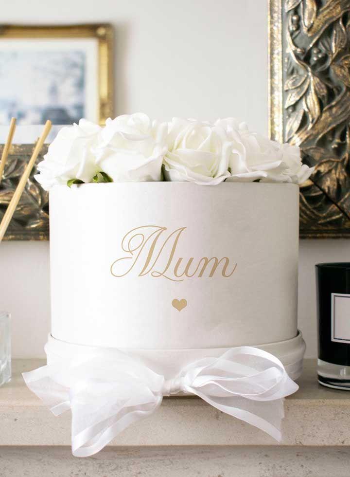 Uma lembrancinha para derreter o coração da mamãe: rosas brancas