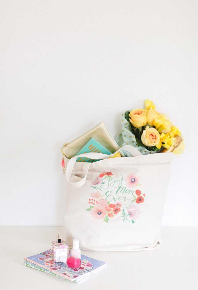 A dica aqui de lembrancinha para o dia das mães é uma sacola reutilizável personalizada