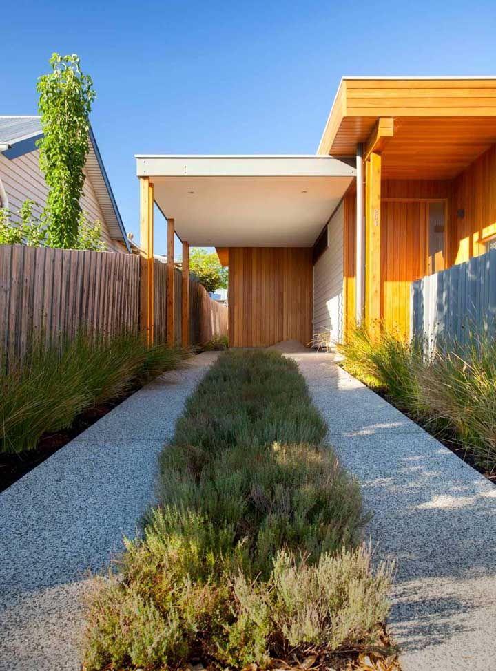 Entrada para a garagem em Fulget cimentício: o piso é resistente e durável