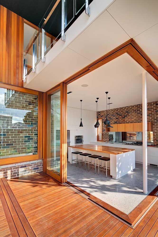 Aqui, madeira e piso Fulget contracenam em plena harmonia