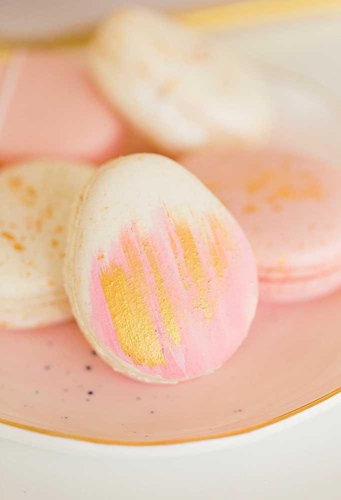 Aposte em guloseimas personalizadas para deixar a decoração de páscoa ainda mais especial.