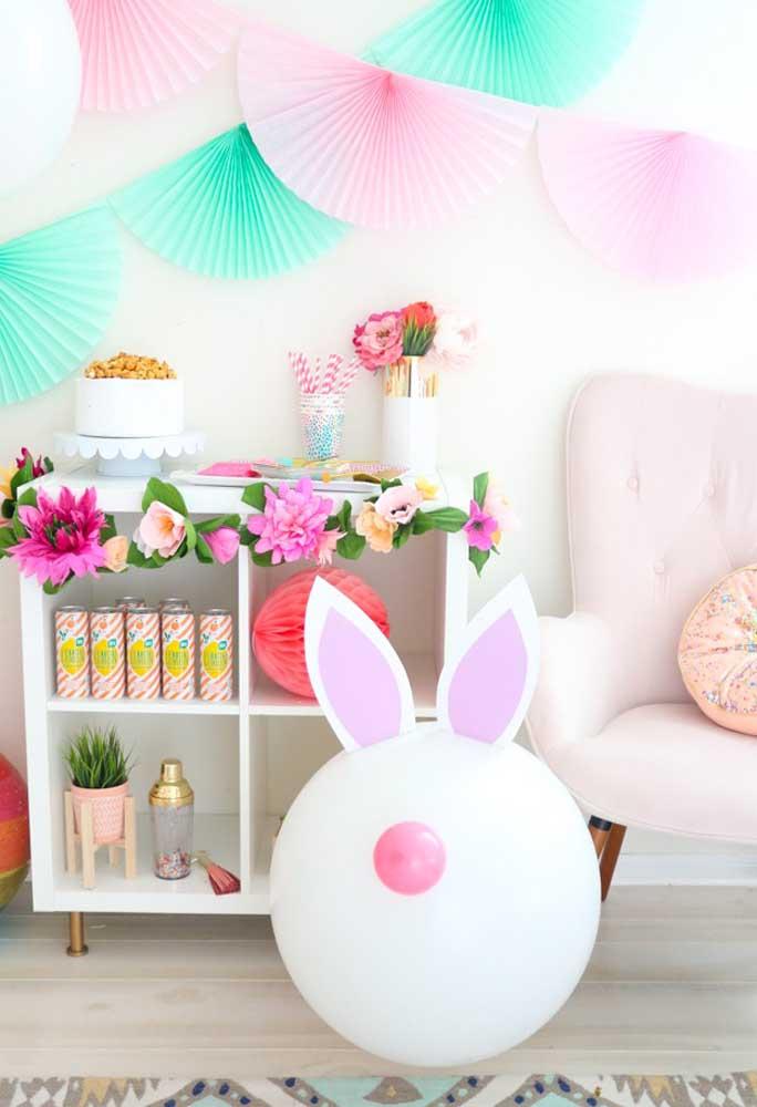 Use diferentes tipos de materiais na hora de fazer a decoração de páscoa.