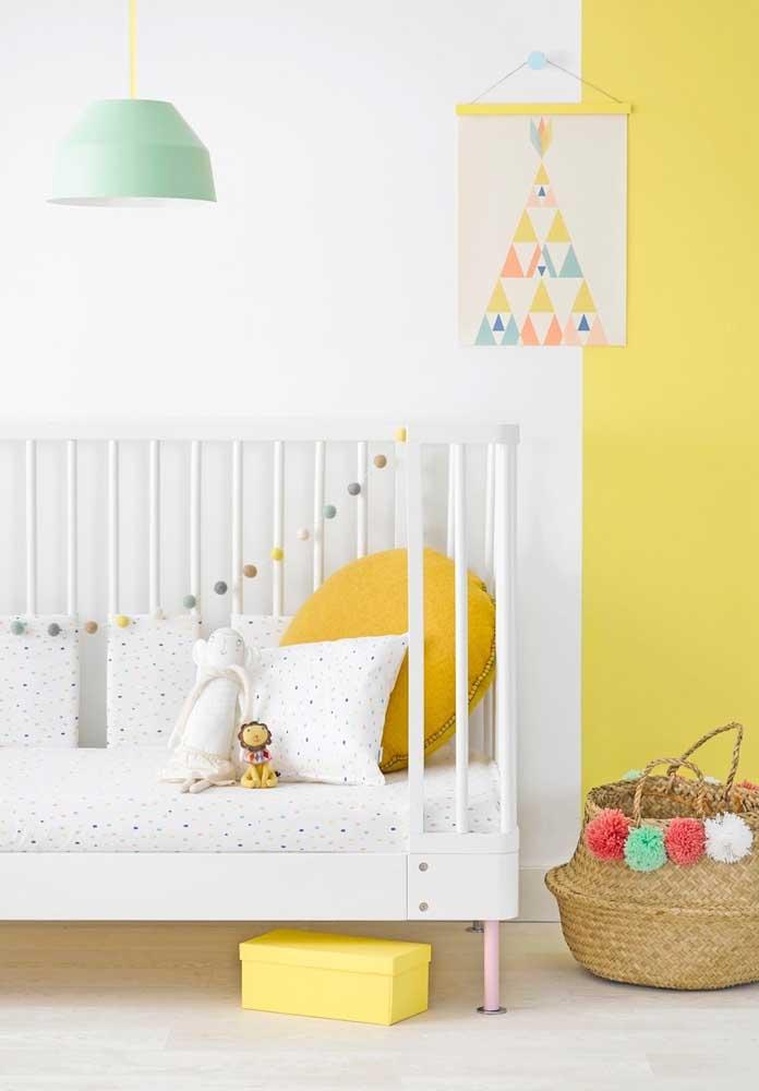 A cor amarela é uma opção boa para quem ainda não sabe o sexo do bebê ou quer fugir do tradicional rosa e azul.