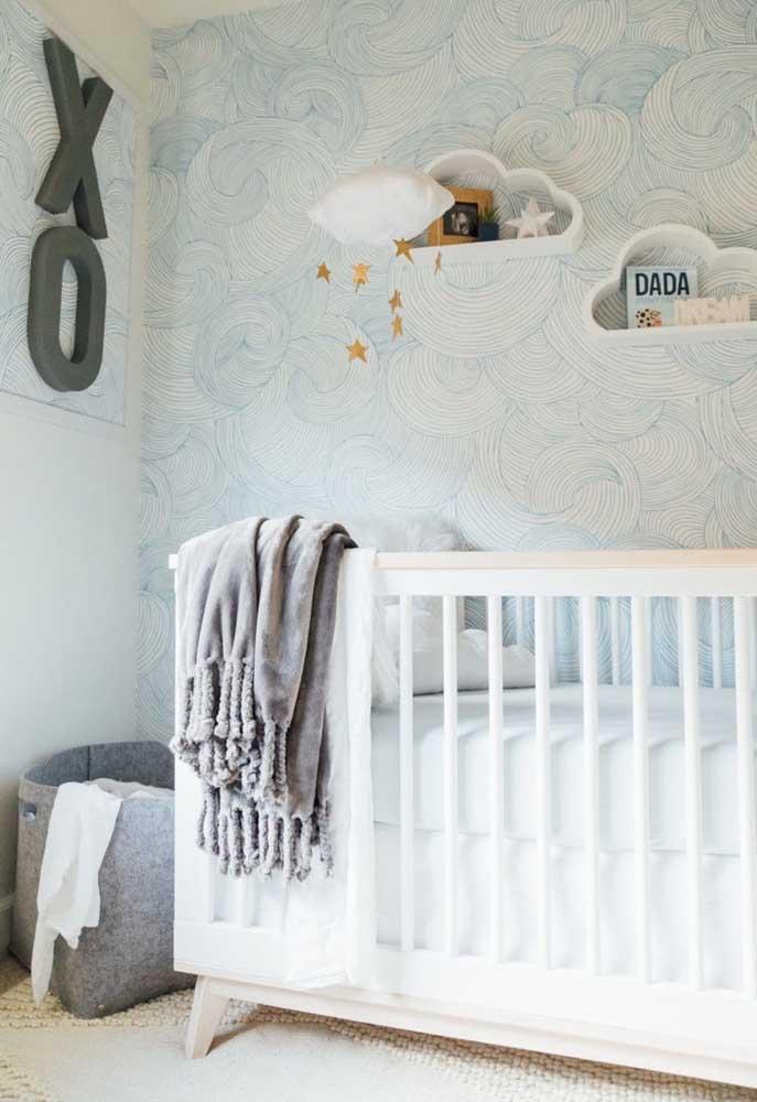 A pintura na parede pode ser feita com texturas diferenciadas que dá um toque especial ao quarto do bebê.