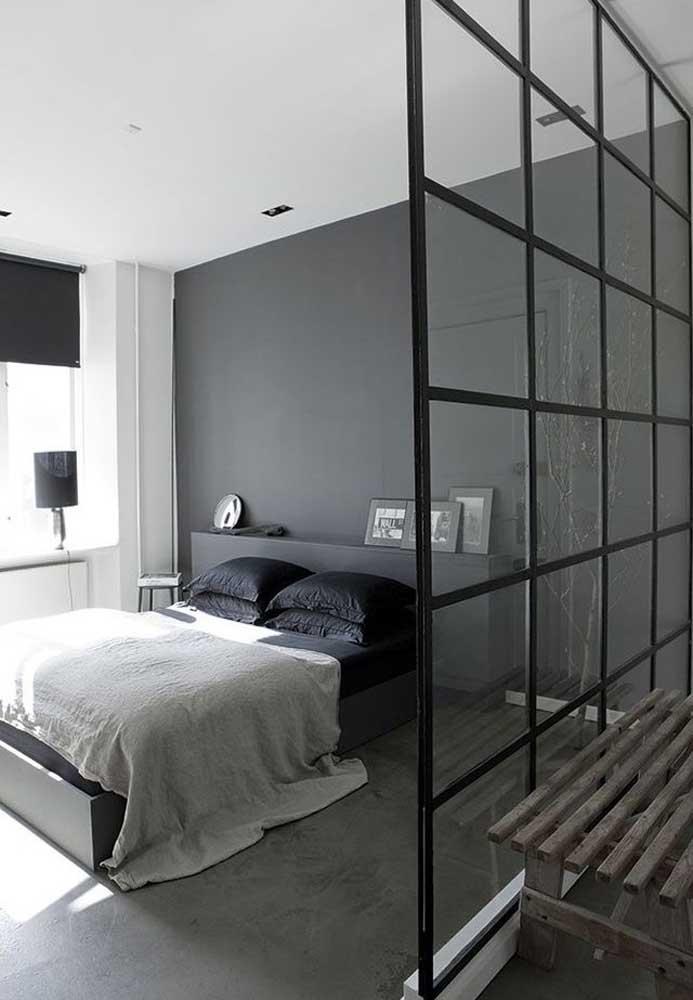 Já viu combinação mais perfeita do que o quarto cinza e preto? Além de deixar o ambiente mais moderno, você ganha um espaço sofisticado.