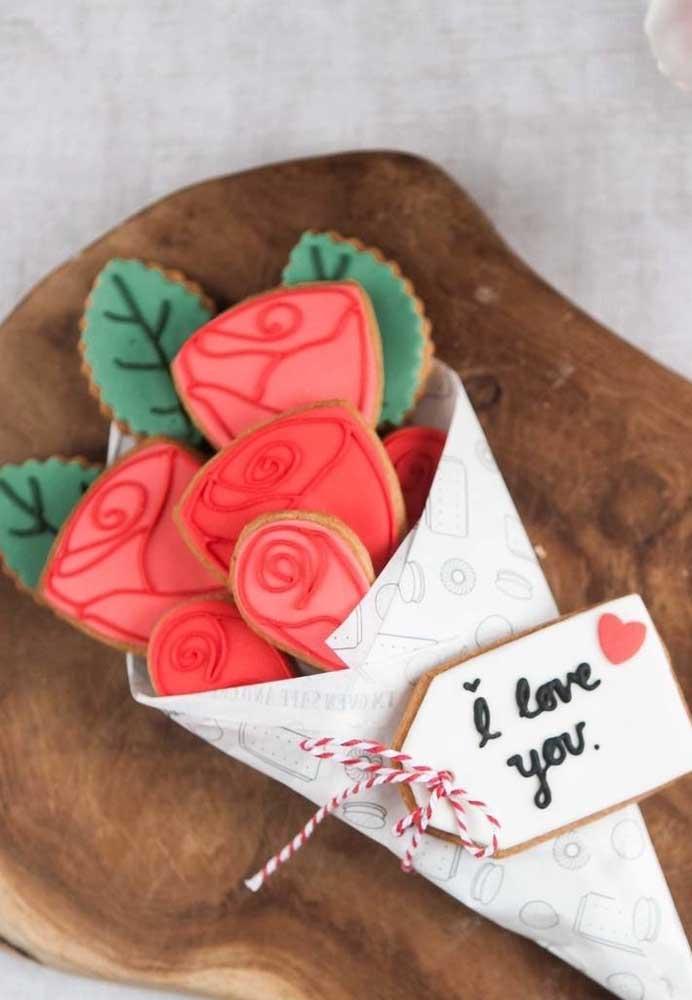 Que tal fazer uma decoração de dia dos namorados comestível? Olha como fica perfeito esse buquê de biscoito.
