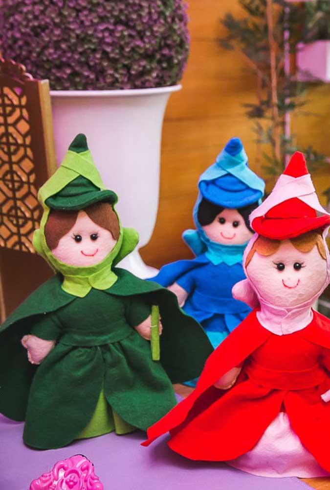 Que tal colocar a mão na massa e fazer você mesmo uns bonequinhos de tecido com os personagens da Princesa Sofia?