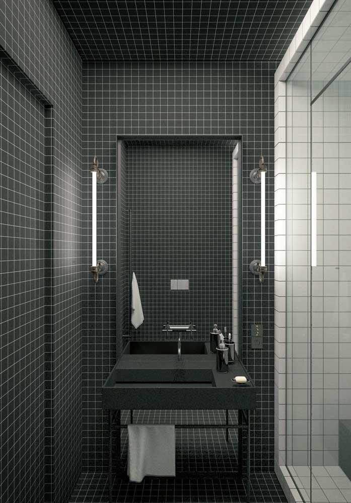 Banheiro de luxo revestido com pastilhas