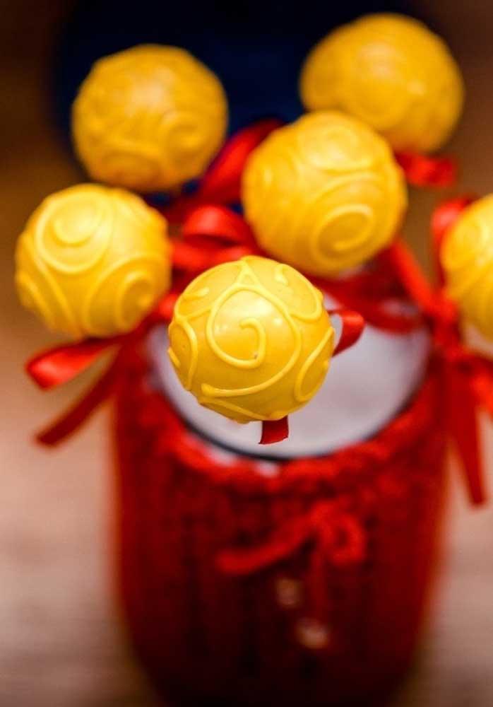 A cor amarela também merece um lugar de destaque na festa da Branca de Neve